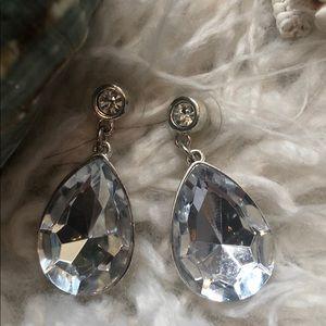 Jewelry - Dazzling Teardrop Earrings rhinestone post
